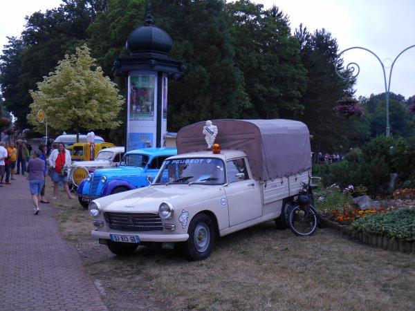 véhicules anciens a forges les eaux