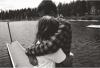 N'ignore jamais une personne qui t'aime,Une personne qui s'inquiète pour toi,Une personne qui t'ouvre son coeur,car un jour tu te réveilleras et tu te rendra compte,que tu as perdu la lune en tentant de compter les étoiles.