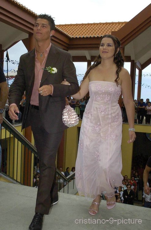 souvenir   cristiano  mariage de sa soeur elma  26  06  2005