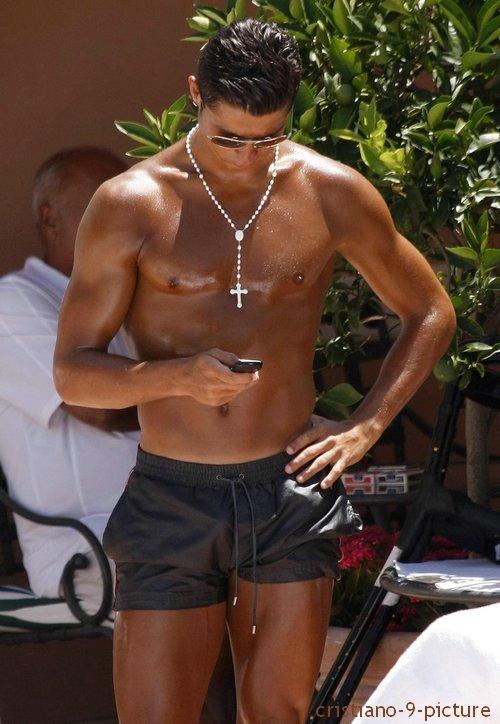 Dossier Cristiano-9-picture : Les plus belles photos de Cristiano en vacances (partie 1)