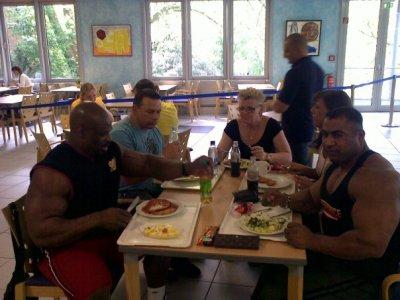 le grand rooney colman dejeuner ensemble