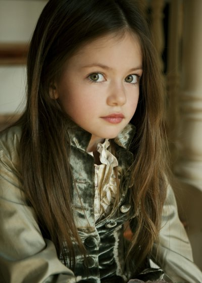 Mackenzie foy la renesme officiel