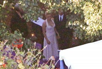 bon le  temps est venu de mettre les photos du mariage de nos deux acteurs de true blood !!!!! régalez-vous