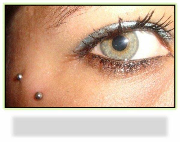 ♥ ˙·٠•●♥ J'aime tes yeux , mais je préfère les miens car sans eux je ne verrais pas les tiiens  ♥●•٠·˙