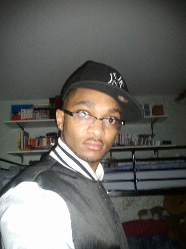 casquette, chapeau et lunettes!