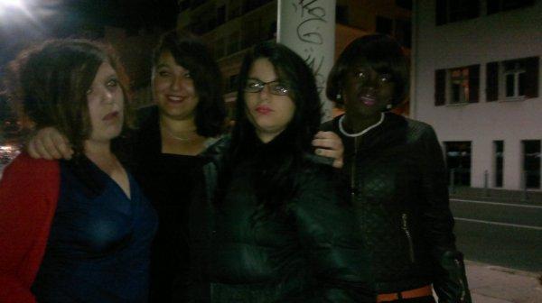 Moi et les filles en soirée ! :p