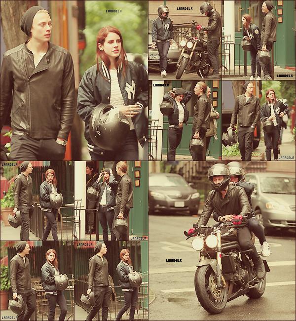 """03/05/2012 ▪ Lana et son ami Josh Rachlin du clip """"Carmen"""" à NY pour déjeuner."""