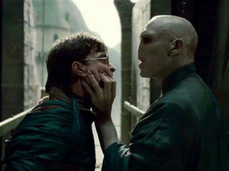 Voldemort ( - j'ai vu dans ton coeur et ton coeur est mien )
