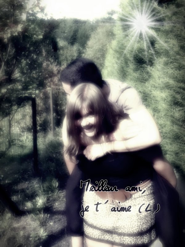 « Je pense que tout le monde se ressemble. On veut tous une vie qui ait un certain but. Et un jour tu te retournes, et tu te rends compte que tu as trouvé ce qui rend ta vie spéciale. Tu as des amis qui te font sourire. Des amis qui t'aiment et qui peuvent te faire oublier tes souffrances par leur simple présence. Parce que l'amitié est peut-être encore le seul sentiment pur qui puisse exister ♥ »