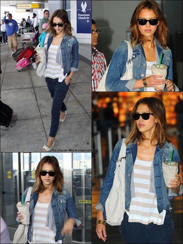 - - DEVIENS FAN - ________ - AJOUTE-MOI EN AMI - ________ - COUP DE COEUR - ________ .FACEBOOK.  - - JESSICA A ETE VU AU JFK AIRPORT A NEW YORK LE 09 OU 10 SEPTEMBRE 2010  -