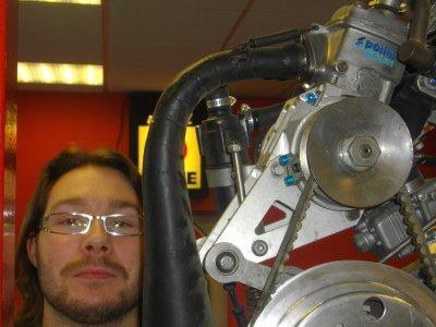 Et bien oui, ce WE, visite de Romain, trop impatient d'admirer le proto à moteur POLINI