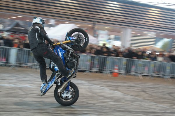 Des démonstrations de Stunt au salon de la moto de Lyon