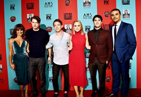"""Le cast de Glee à la projection de la première de """"American Horror Story"""""""