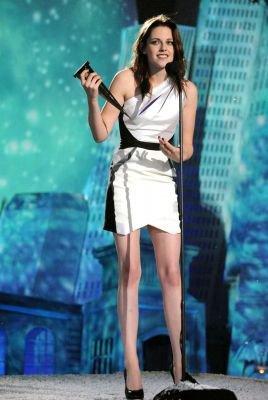 """KStew aux «Scream Awards 2010» avec Nikki Reed & Jackson Rathbone. Samedi 16 oct. 2010.Stew à reçu le prix de """"La meilleure actrice dans un film fantastique""""."""