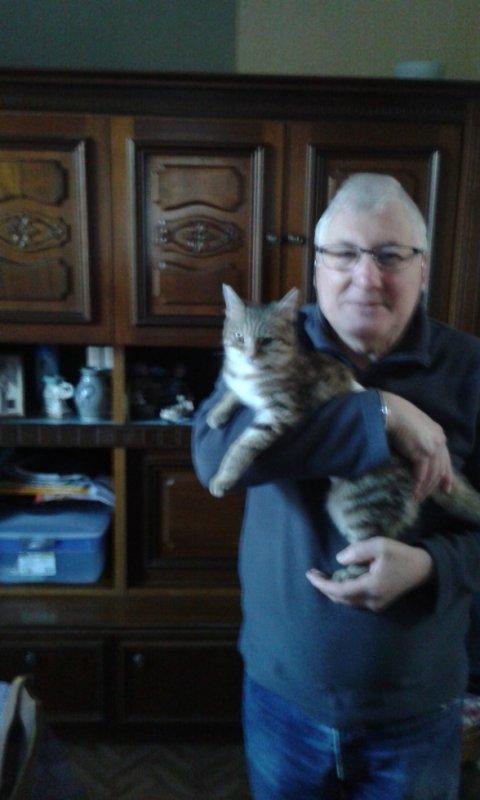 voici Minousse avec son Papy