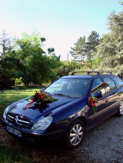 décorations voiture de mariée