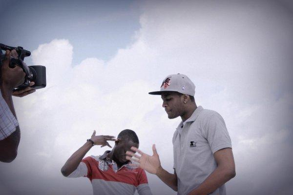 Mixtape 2012 / LA ZONE SE PORTE BIEN (2012)