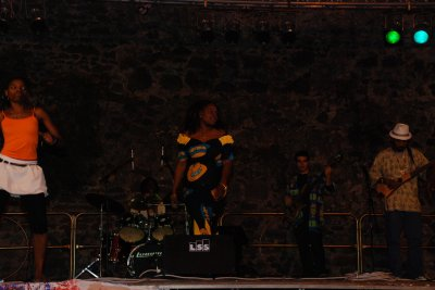 Bijou Garcia & Li'an Band