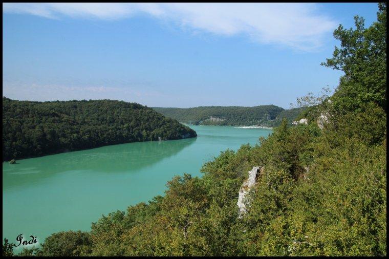 Lac de vouglans Jura...