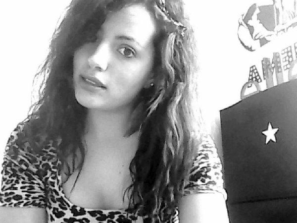 Ma vie est un désatre mais personne ne le voit car je lui très polie, je souris tout le temps...