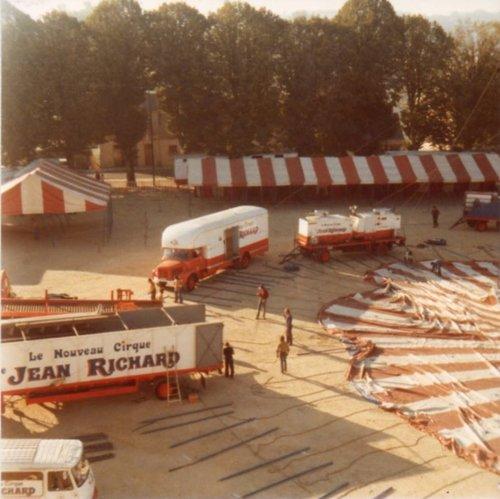 Le nouveau cirque Jean Richard en 1976 .