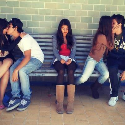 - Célibataire : Aime ! ♥ - En couple : Commente ! ♥
