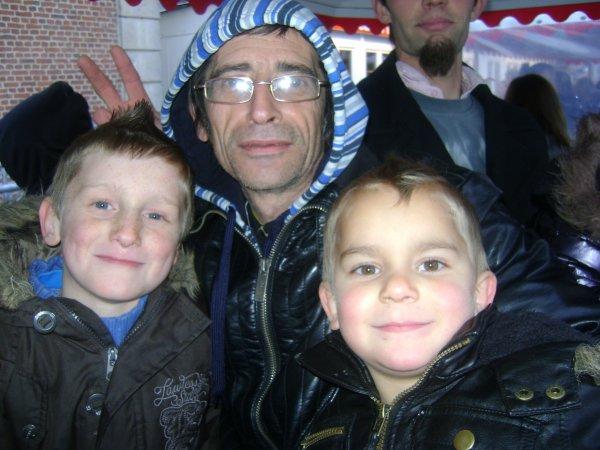 voici le pere de mes enfants avec nos 2 fils