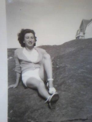 Ma maman qui as toujours été a mes yeux la plus belle des femmes.