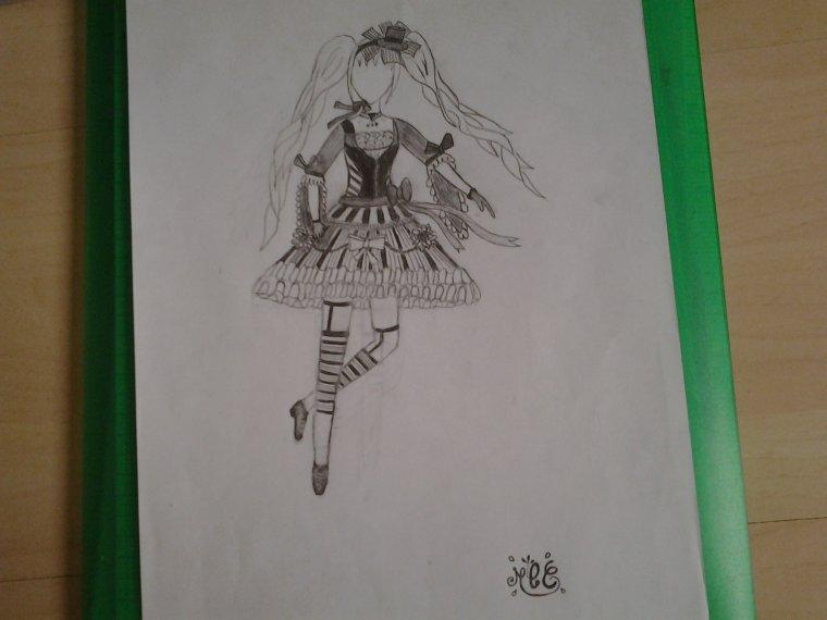 dessin tenue originale / robe rayée