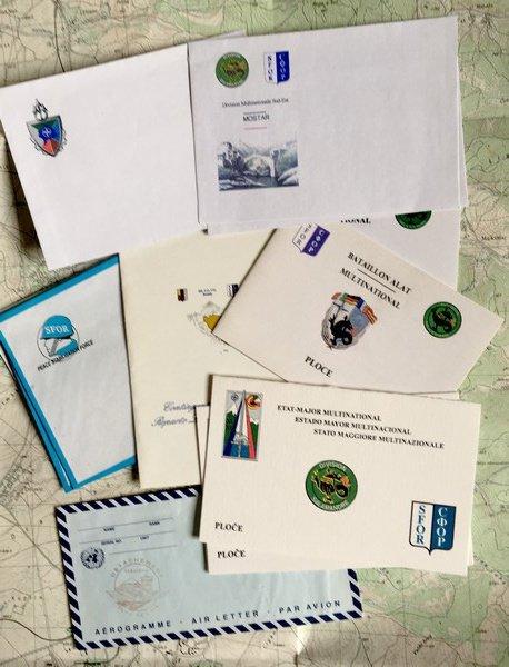 SFOR/KFOR Papiers à lettres...