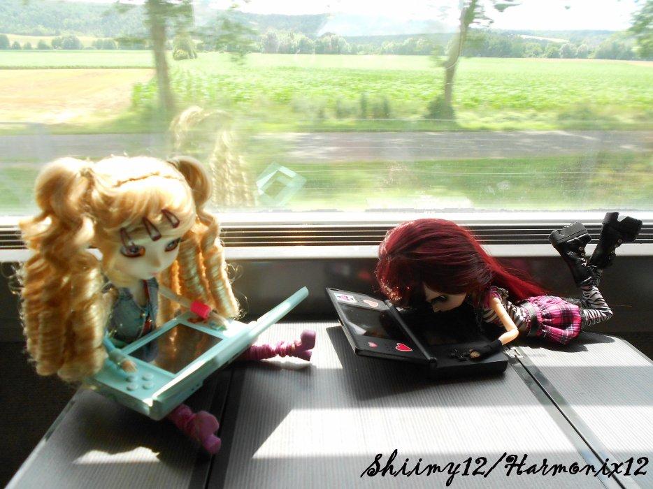 Séance photo-Photoshoot n°4---->Mes vacances à Paris,Alice dans le train !