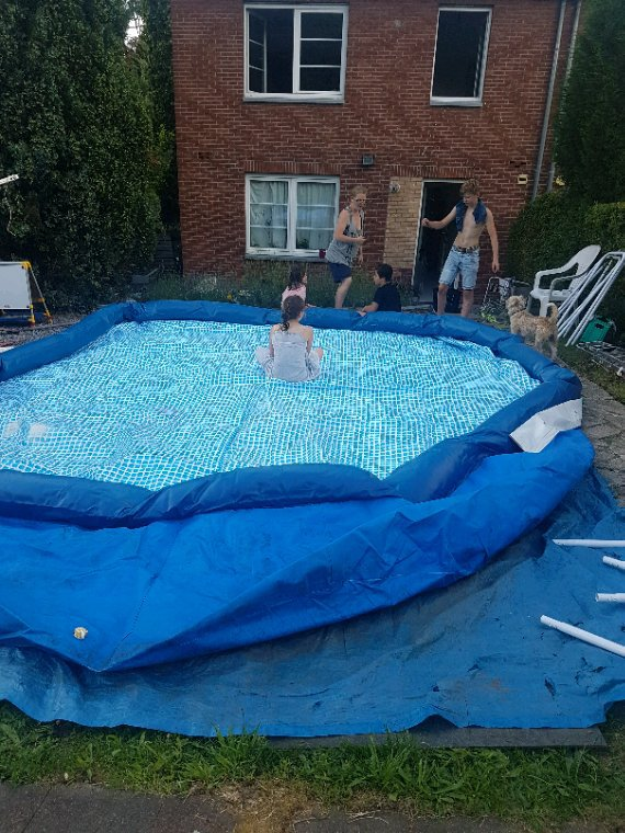 Voila ma piscine 7m sur 3m sur 1m22 de hauteur