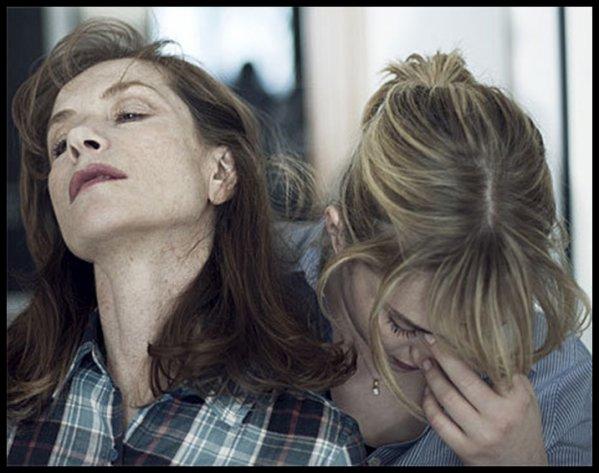 Blog consacré à Isabelle Huppert, l'actrice qui fait la fierté de la culture française ♥.Une actrice intellectuelle, intelligente, qui peut tout jouer, qui choisit des films de qualité, qui fait que le cinéma d'auteur français survit ♥.  A vous de découvrir notre étoile culturelle française ♥