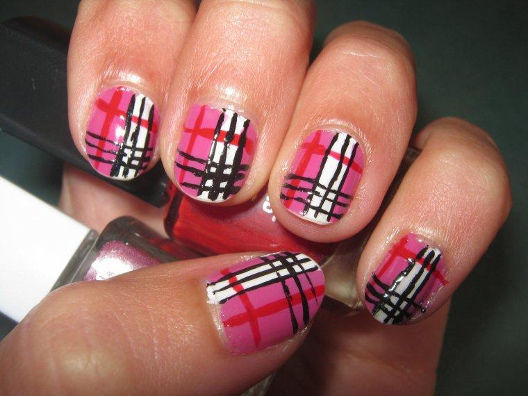 Burberry ; Concours Nail Art Géométrique