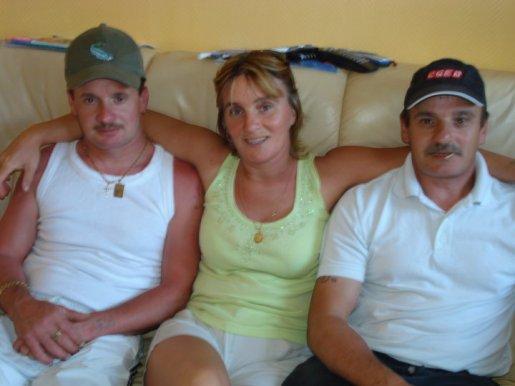 mon mari, sa soeur sonia et son frere gilbert