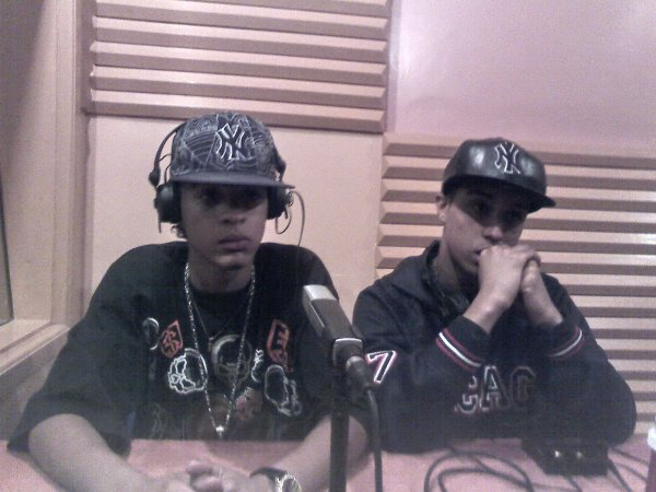 "Mc Claire With lsan Cha3b in Radio Meknes live in "" Chababi live """