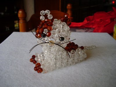 CHAT en perles de cristal.