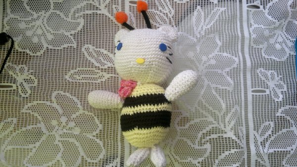 Hello kitty au crochet.