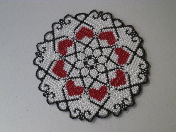 Nouveau napperon en perles.