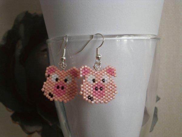 """Boucles d'oreilles """" Cochon """"."""