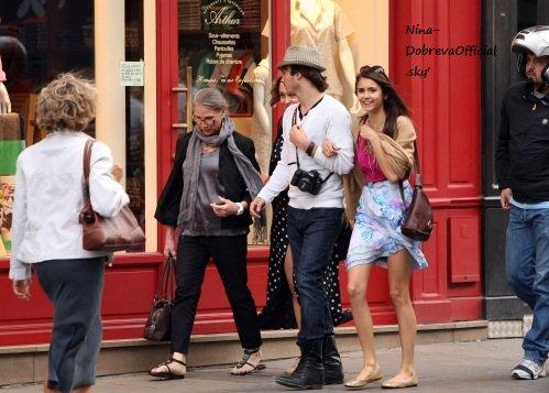 """Nina et Ian à Paris ensemble: le petit """"couple"""" se rapprochent fortement + Des nouvelles photos d'eux qui partent de l'aéroport de JFK le 21 Mai+ La réaction décevante d'Ian Somerhalder vis à vis de ses fans (français) le 24 Mai"""