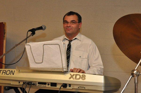 Yvon, l'accordéoniste et claviériste
