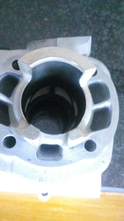 A vendre : ensemble pot-cylindre Bidalot Racing Factory Mina Hor = 700¤