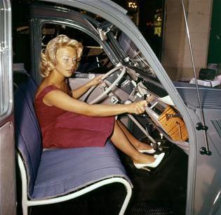 2cv azl ou azlp fiche technique le fabuleux destin d 39 une voiture populaire. Black Bedroom Furniture Sets. Home Design Ideas