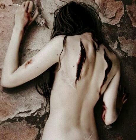Tu as décidé de me faire souffrir. Le destin en est ainsi.