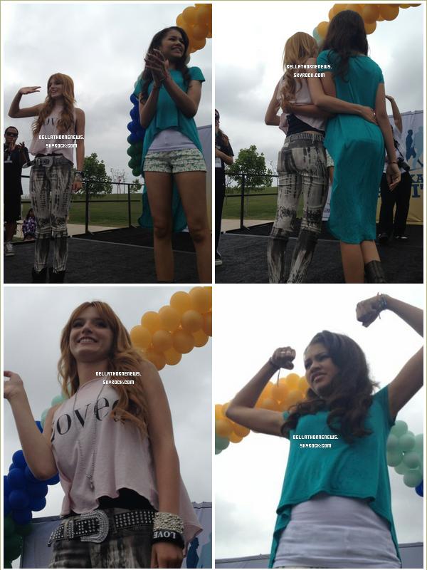 zella , dansant et signant des autographes à leurs fans au walkaton le 9 juin :