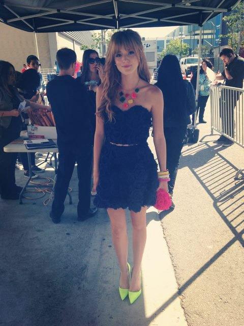 bella était au radio music awards , le 27/04/13 : coté tenue c'est un top ! ❤