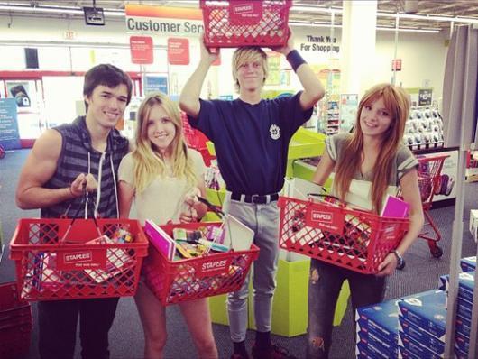 #rattrapage : bristan , dani et rémi etaient bénevole dans un magasin a los angeles...