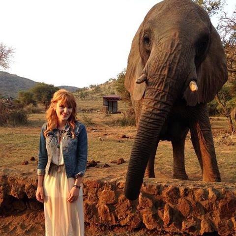 Bella a posté une nouvelle photo d'elle en afrique du sud il y 14 h via facebook