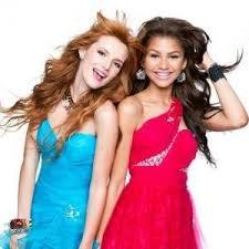 Petite interview de bella et zendaya + une autres petite interview et actue pro de la merveilleuse Selena gomez: